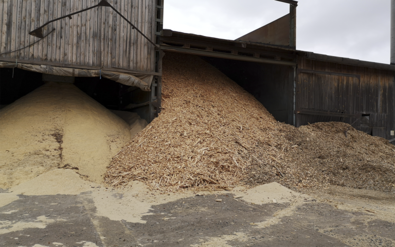 sawdust, wood chips as raw